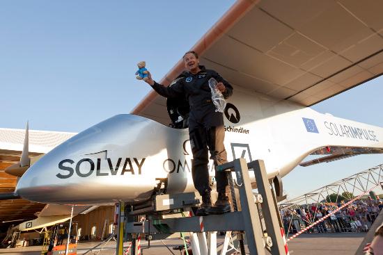 Solar Impulse i jego pilot André Borschberg/ Credis: Solar Impulse