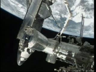 Obraz jakiego już więcej nie zobaczymy - prom i ISS / Credits - NASA TV