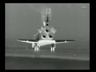 Po zatrzymaniu - widok w podczerwieni / Credits - NASA TV