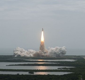 Start STS-135, ostatniej misji wahadłowca / Credits: NASA