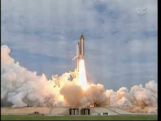 17:26 CEST - prom Atlantis wyrusza w swą ostatnią wyprawę / Credits - NASA TV