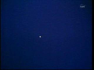 Godzina 12:58 - wahadłowiec jest już widoczny z kamer Stacji ISS! / Credits: NASA TV