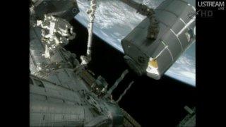 Przenosiny MPLM - widoczny nadirowy węzeł Harmony, do którego MPLM zostanie przyłączony / Credits - NASA TV