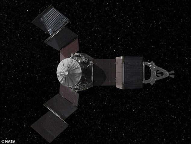 Juno w trakcie rozkładania paneli ogniw słonecznych / Credits: NASA