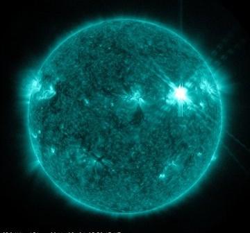 Godzina 05:58 CEST - chwilę po fazie maksymalnej rozbłysku / Credits - NASA, SDO