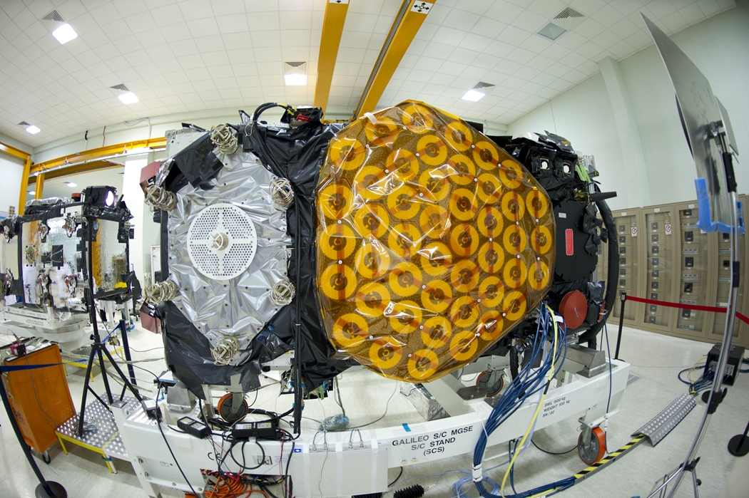 Galileo IOV FM-2 w trakcie testów, maj 2011 / Credits: ESA