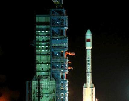 Start rakiety CZ-2F T1 z modułem kosmicznego laboratorium orbitalnego Tiangong-1 (Xinhua/Wang Jianmin)