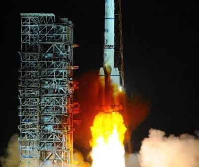 Start rakiety Długi Marsz 3B/E z satelitą Chinasat-1 / Credits: news.cn