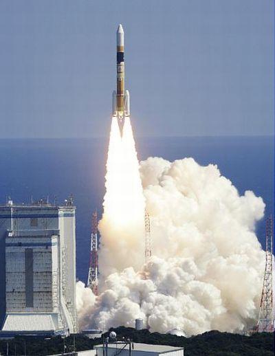 Start japońskiej rakiety H-IIA z satelitą IGS O4 / Credits: yomiuri.co.jp