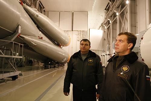 Prezydent Rosji w trakcie wizytowania kosmodromu w Plesiecku / Credits: Kancelaria Prezydenta FR
