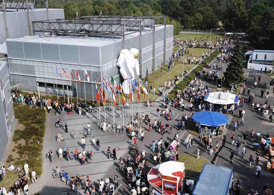 Niemieckie dni astronautyki w 2009 roku / Credits: DLR