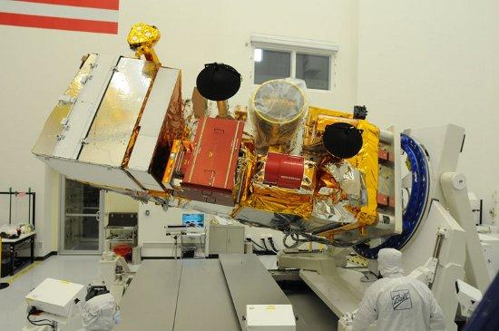NPP w czasie testów przed podróżą do VAFB. Fot. NASA