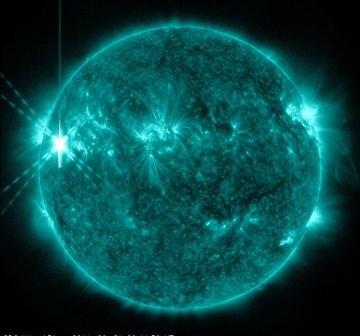 Rozbłysk klasy X1.9 z dnia 24 września 2011 / Credits - NASA, SDO