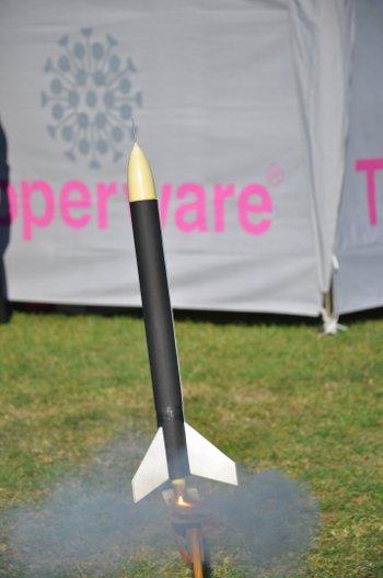 Start jednej z rakiet w trakcie II Atrakcji / Credits - Mirosław Rżąca