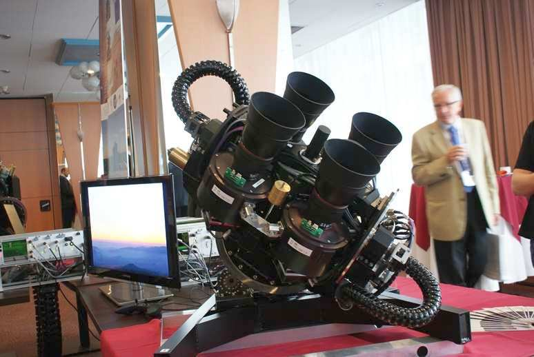 Zdalnie sterowany zespół kamer do obserwacji satelitarnych / Credits: Kosmonauta.net