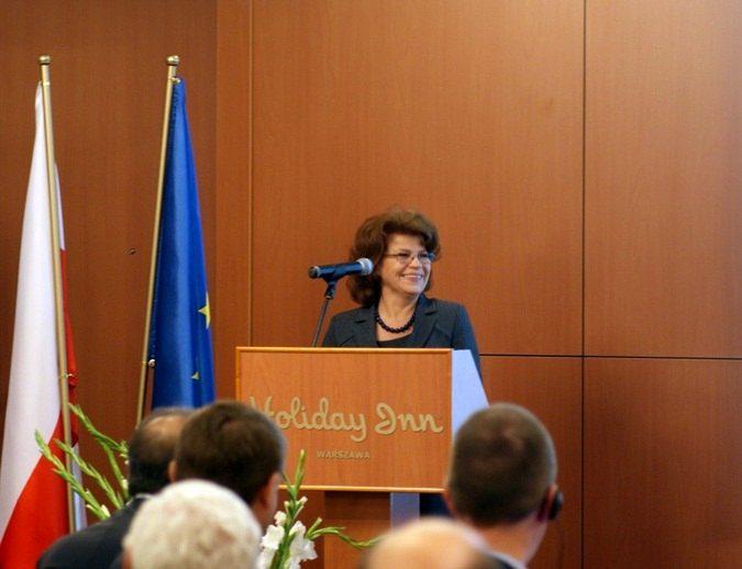 Wystąpienie podsekretarz stanu w Ministerstwie Gospodarki, Grażyny Henclewskiej, otwierające warszawskie seminarium SSA / Credits: Kosmonauta.net