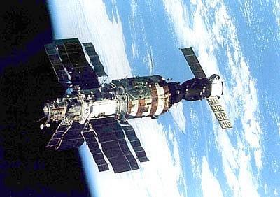 Stacja kosmiczna Salut 6 na orbicie Ziemi (Roscosmos)