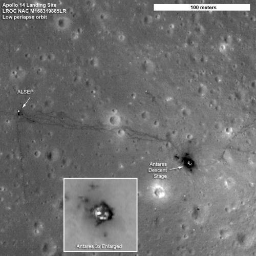 Rejon lądownaia misji Apollo 14 zarejestrowany podczas niskiego przelotu sondy LRO (NASA/Goddard/ASU)
