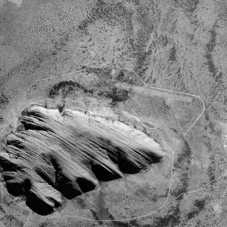 Australijska góra Ayers Rock w obiektywie kamery CHRIS / Credits: ESA