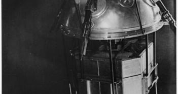 Wnętrze Sputnika 1 (makieta) / Źródło: NASA