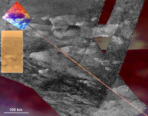 Strefa lądowania próbnika Huygens zobrazowana za pomocą VIMS, wykreślona na radarowym tle. W pomniejszeniu znajduje się zdjęcie z samego lądownika. Credits JPL/NASA/Univ. of Arizona/CNRS/LPGNantes