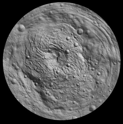 Mapa topograficzna południowego obszaru Westy / Credits - NASA/JPL-Caltech/ UCLA/MPS/DLR/IDA