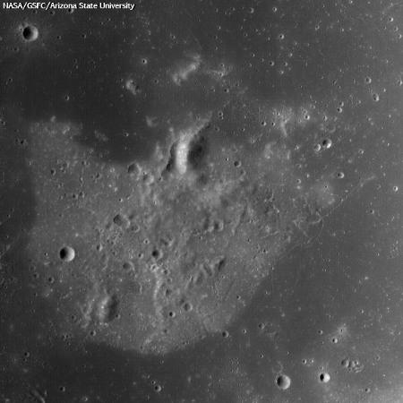 Zbliżenie na obszar H z pierwszego zdjęcia w tej galerii / Credits -  NASA/GSFC/Arizona State University