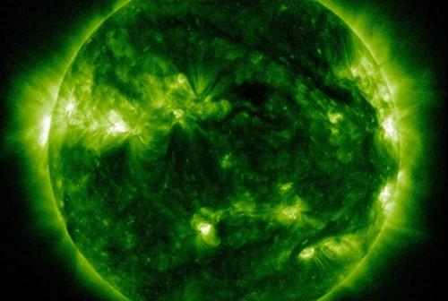 Aktualny wygląd Słońca - 21 października 2011, godzina 11:26 CEST / Credits - NASA, SDO