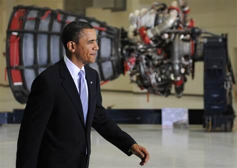 Prezydent Barack Obama w Centrum Kosmicznym im. Johna F. Kennedy'ego na Florydzie (2010) / Źródło: Jewel Samad (AFP)