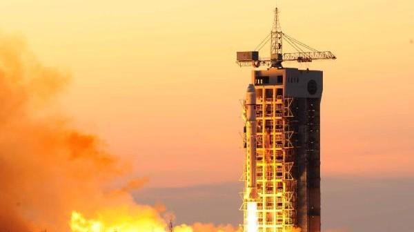 Start rakiety CZ-2D z dwoma satelitami na pokładzie / Credits: www.news.cn