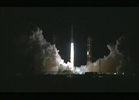 Start rakiety Proton-M - 25.11.2011 / Credits - ILS