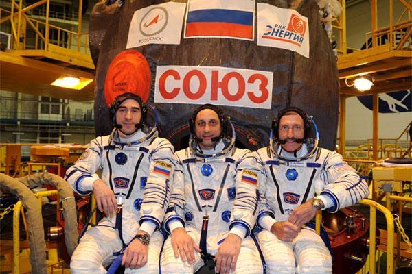 Załoga misji Sojuz TMA-22 / Credits: Roskosmos