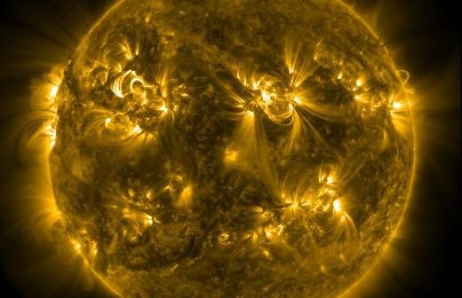 Widok Słońca w dniu 09.11.2011 o godzinie 16:30 CET / Credits - NASA, SDO