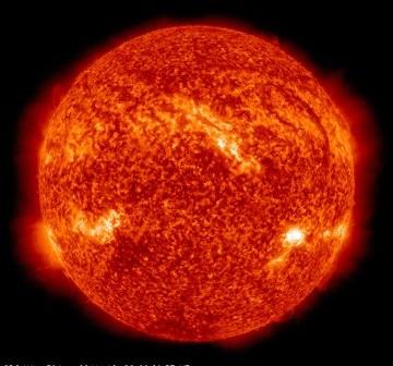 Wygląd Słońca w momencie rozbłysku M2.3 - 26 grudnia 2011 / Credits - NASA, SDO