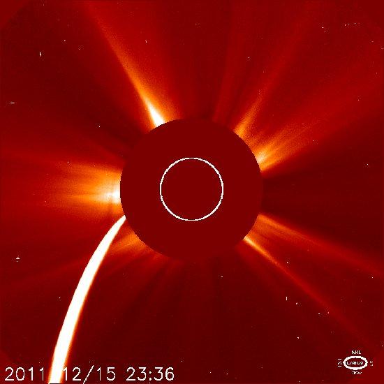 Godzina 00:36 CET / Credits - NASA, SOHO, ESA