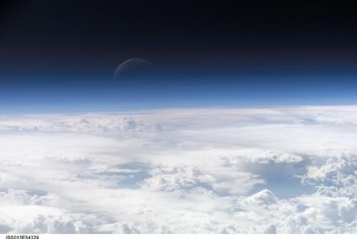 Ziemska atmosfera. Zdjęcie wykonane z pokładu ISS. (Credits: NASA)