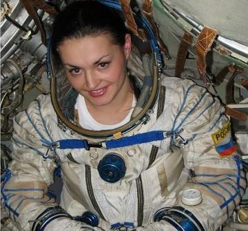 Jelena Sierowa wewnątrz kapsuły Sojuz / Credits -RSA