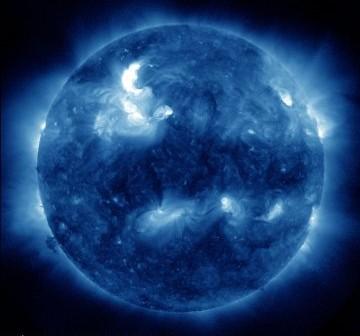 Wygląd Słońca tuż przed fazą maksymalną rozbłysku z 19.01.2012 / Credits - NASA, SDO