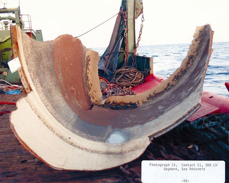Szczątki rakiety pomocniczej SRB po katastrofie Challengera / Źródło: NASA