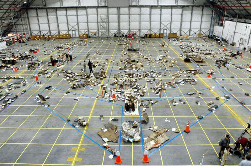 Szczątki Columbii zgromadzone po katastrofie / Źródło: NASA