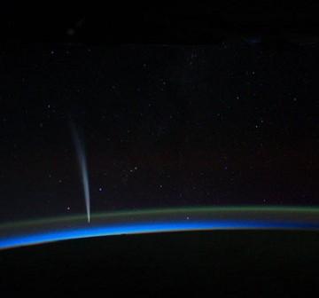 Kometa Lovejoy zaobserwowana z Międzynarodowej Stacji Kosmicznej ISS - 21 grudnia 2011 (Źródło NASA)