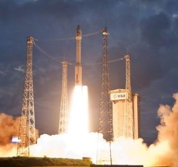Start rakiety Vega / Credits - ESA, CNES, Arianespace, Photo Optique Video CSG