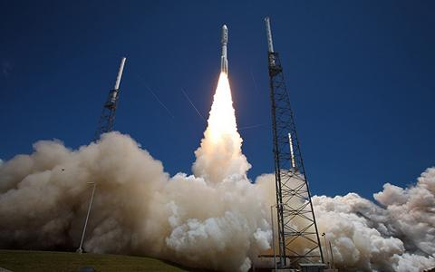 Start rakity Atlas V (551) / Credits: NASA