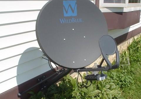 Domowa antena satelitarna / Source: WikiCommons, Jesster79