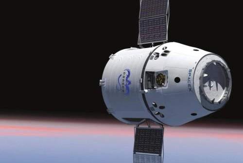 Kapsuła Dragon na orbicie / Credits: SpaceX