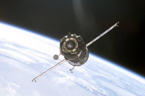 Kapsuła Sojuz cumuje do ISS / Credits - NASA