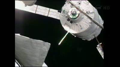 ATV-3 w odległości 19 metrów od ISS - punkt S4 / Credits - NASA TV