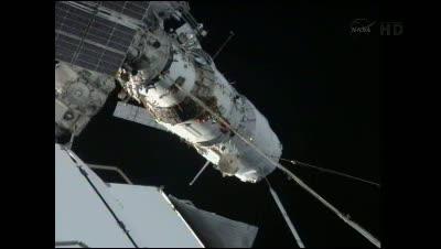Po cumowaniu / Credits - NASA TV