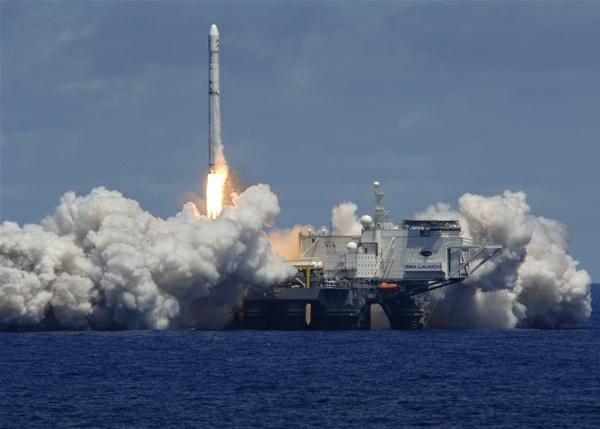 Start ukraińskiej rakiety Zenit-3SL z wodnej platformy startowej Sea Launch/Credits: Sea Launch