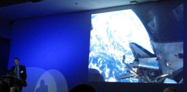 Frank de Winne omawia swoje doświadczenia na ISS / Credits - K. Kanawka